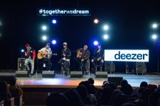 CNCO surprise students at Houston high school