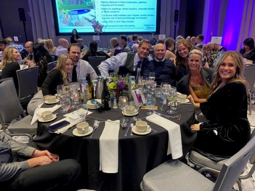 The Avamere Family of Companies Supports Alzheimer's Awareness at Memories in the Making Gala