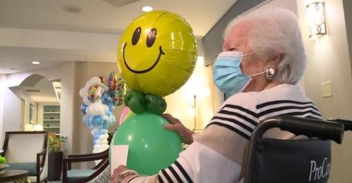 'Balloon Buddies' Bring Big Joy to Residents of Discovery Village at Boynton Beach