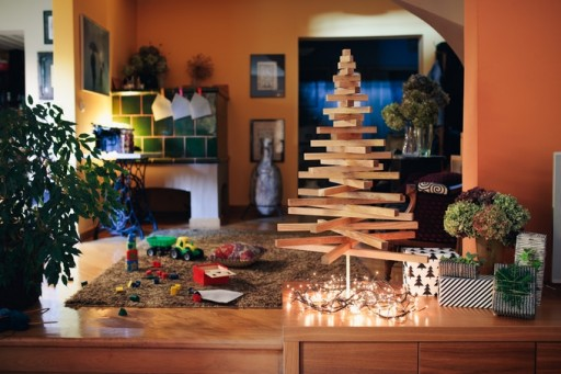 Minimalist Sustainable Wooden Christmas Tree Comes to Kickstarter
