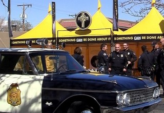 The classic 1962 cop car broke the ice at the Coffee with a Cop event in Albuquerque, New Mexico, hosted by the local Scientology Volunteer Ministers.