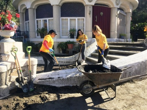 LA Scientology Volunteer Ministers Respond to Disasters