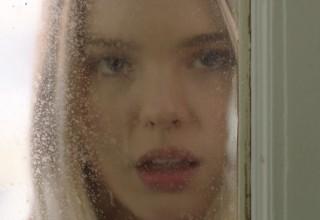 Olivia Larsen as Zoe
