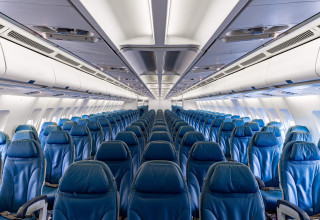 AELF FlightService MSN 472 in passenger configuration.