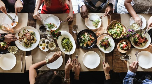 JustFly and FlightHub on How to Save Money and Still Eat Well While Travelling