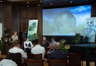 Panel discusses ecological impact of the clothing industry