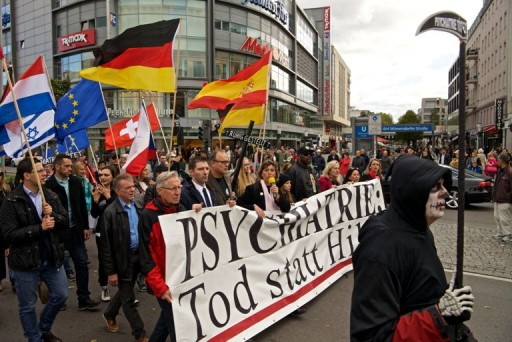 Hundreds Protest at World Psychiatric Association Annual Congress