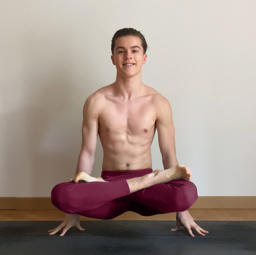 17-Year-Old Yogi Explains How Homeschooling Helped Him Become One of the Youngest Yoga Teachers in the World