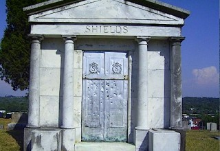 Tall Betsy mausoleum