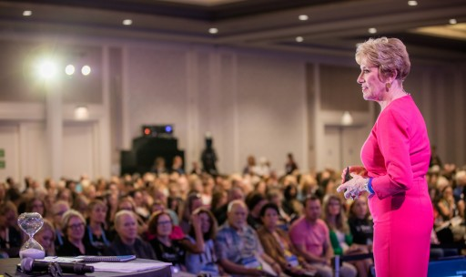 World-Renowned Speaker and Woman Entrepreneur, Mary Morrissey, Holds Live Event in Dallas