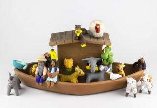 Noah's Ark, Concepcion Aguilar Ocotlan, 1989, courtesy of Tucson Museum of Art.