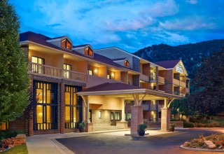 Glenwood Hot Springs Lodge in Glenwood Springs, Colorado