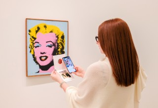 Blue Bite Experience at Lévy Gorvy's Warhol Women Exhibition