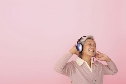 Music Helps Seniors With Their Memories