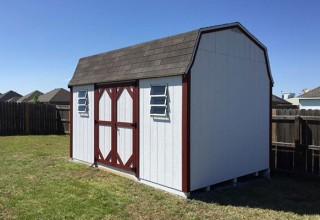 Wood Barn-style Shed