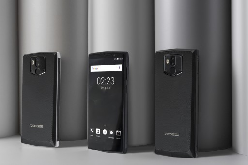 DOOGEE Creates Another 'World First': BL9000 Giant Battery Phone With Wireless Charging