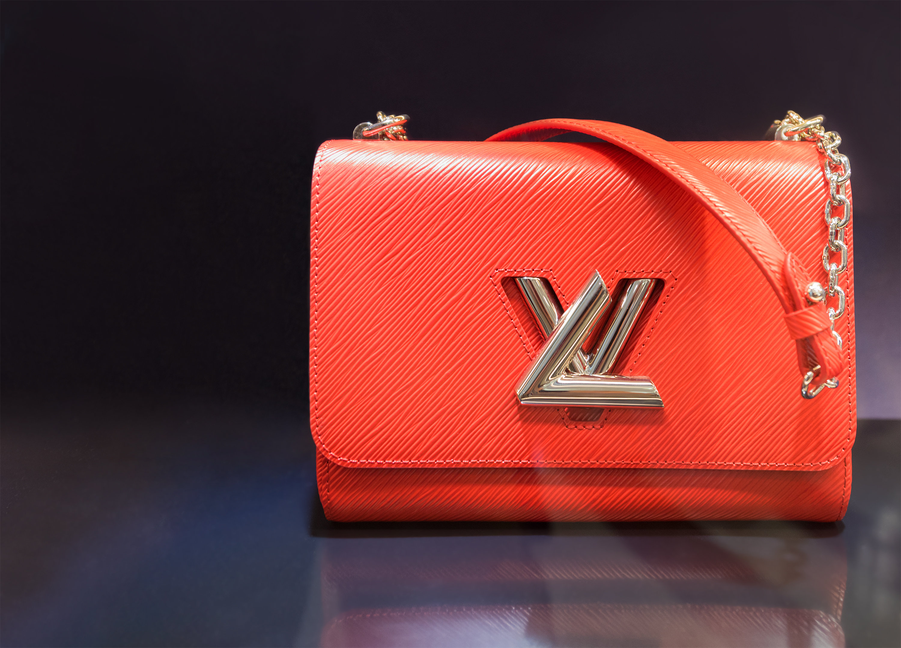 AANlive Expands Auction Categories to Include Luxury Handbags   Newswire ec8c7fe20d