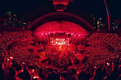 Xylobands Light Up Toronto for Coldplay's 'A Head Full of Dreams' Concerts