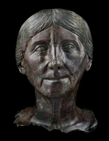 ANCIENT ROMAN BRONZE HEAD OF A WOMAN
