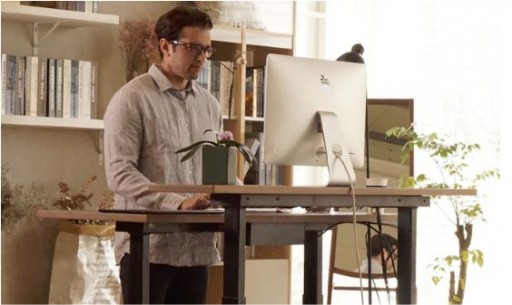 GAZE DESK: The Smartest Standing Desk Ever