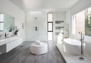 Bathroom of Luxury Vacation Home Rental