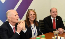 Florida Governor Scott and SUNV CEO Dr. Rabenou Discuss Innovation