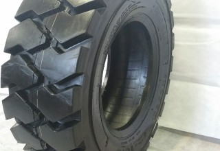 12-16.5 Road Warrior Tires RS-103 14 Ply