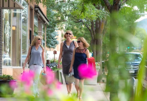 Play, Shop and Stay in Glenwood Springs