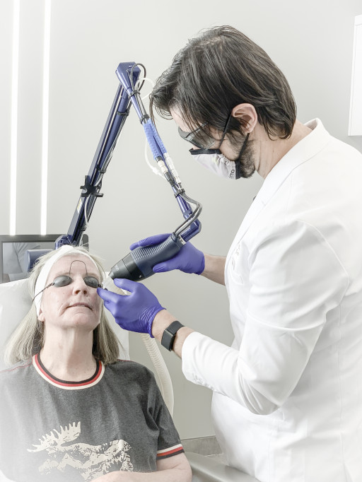 Laser Skin Resurfacing in Guelph: New eCO2 Treatments at deRMA Skin Institute