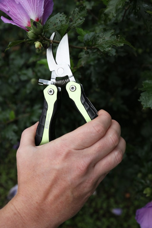 Fortune Products Inc. Announces Release of New Accusharp Gardener's Multi-tool