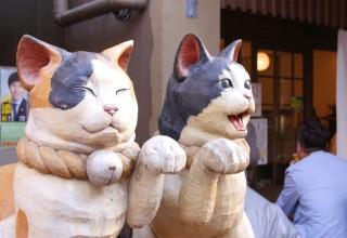 Japanese Cat Statues