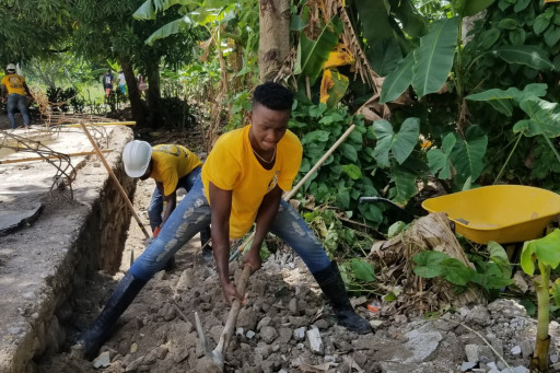 Scientology Volunteer Ministers Help in the Reconstruction of a School in Haiti