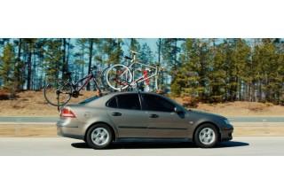 3 bikes on car