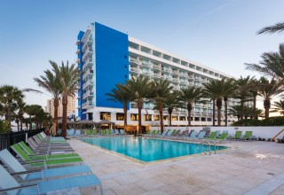 Hilton Clearwater Beach Resort & Spa Exterior
