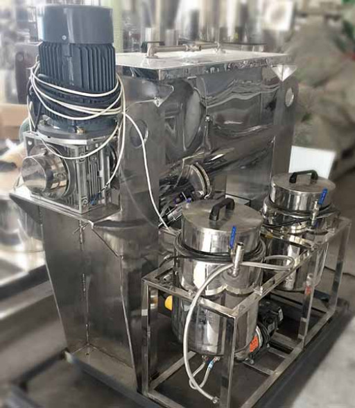 Vortex's Ribbon Blender With Liquid Spray System Helps Chemical Company Spray Liquid to Mixing Materials