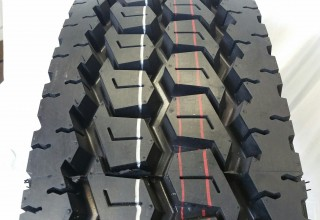 11R22.5 660 16 Ply Drive Tires