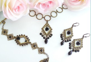 Striking Enchantment Jewelry Set