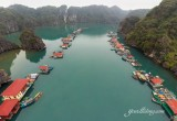 Floating fishing village in Halong Bay - Halong Bay Tours