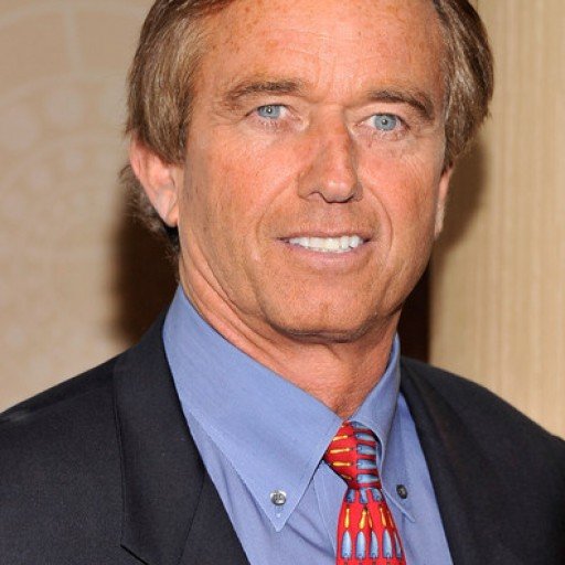 RFK Jr. Urges Texans Not to Surrender Their Medical Freedoms