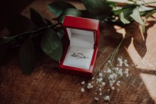 Medawar Jewelers Offers Fresh and Feminine Engagement Rings from MARS Fine Jewelry