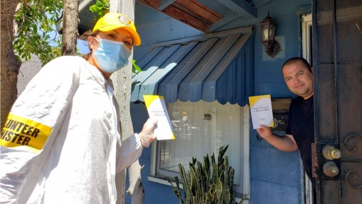 Volunteer Ministers From the Church of Scientology Share Vital Prevention Information With Fellow San Diegans