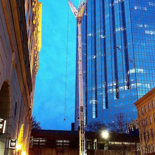 Superior Rigging & Erecting Co. Sets Pieces for New Rooftop Terrace in Atlanta