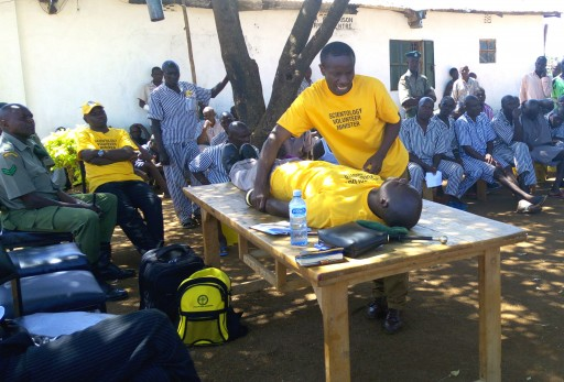 Scientology Volunteer Minister Brings New Hope to Kenya Inmates