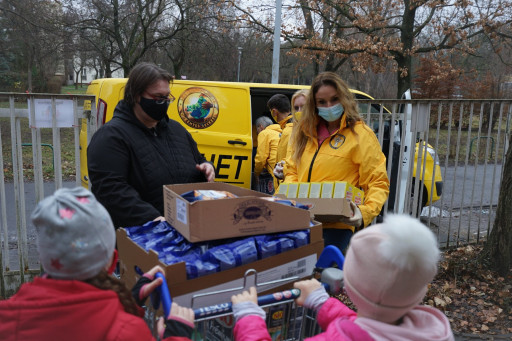 Scientology Volunteer Ministers of Hungary Begin the New Year With Community Outreach