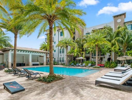 Lloyd Jones Buys Luxury South Florida Apartments
