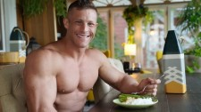 Jason Draksler eating healthy in preparation for bodybuilding contest
