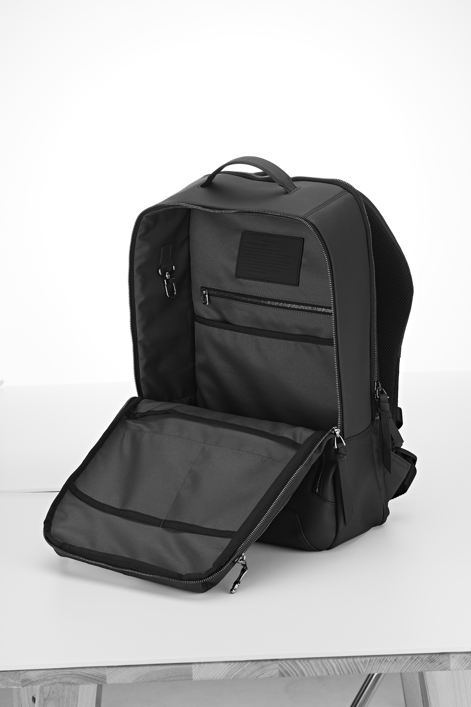 8835eb238beb ... High-quality upcycled leather The future-friendly backpack