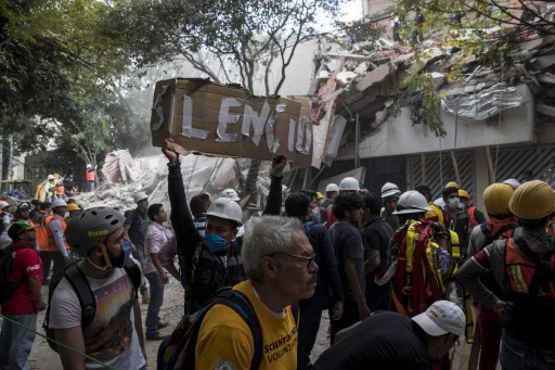 Mexico Earthquake: Little Girl Rescued From Her Collapsed School