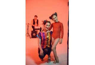 Rachael Sage and Elliana Walmsley