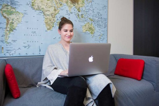 4 Awesome Ways to Master Foreign Languages Without Even Leaving the Couch